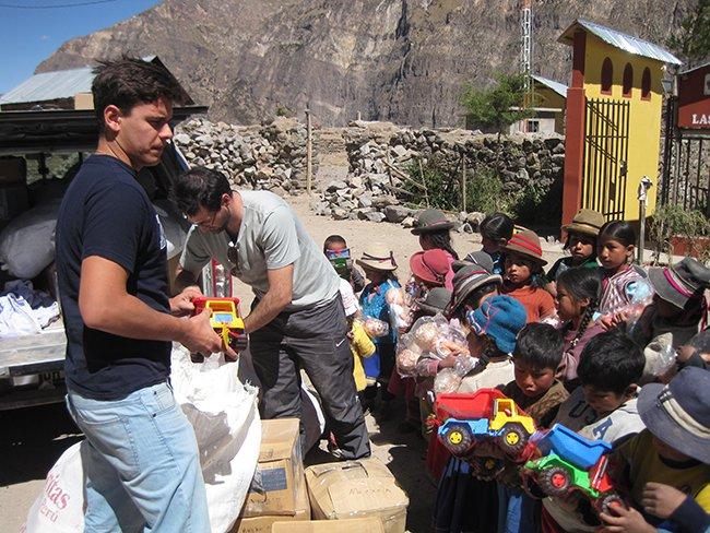 Atención y apoyo escolar en Valladolid y Perú