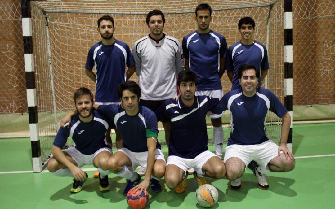 El equipo de fútbol-sala del Colegio Mayor Peñafiel acaba 6º en la ... 709157a1eff02